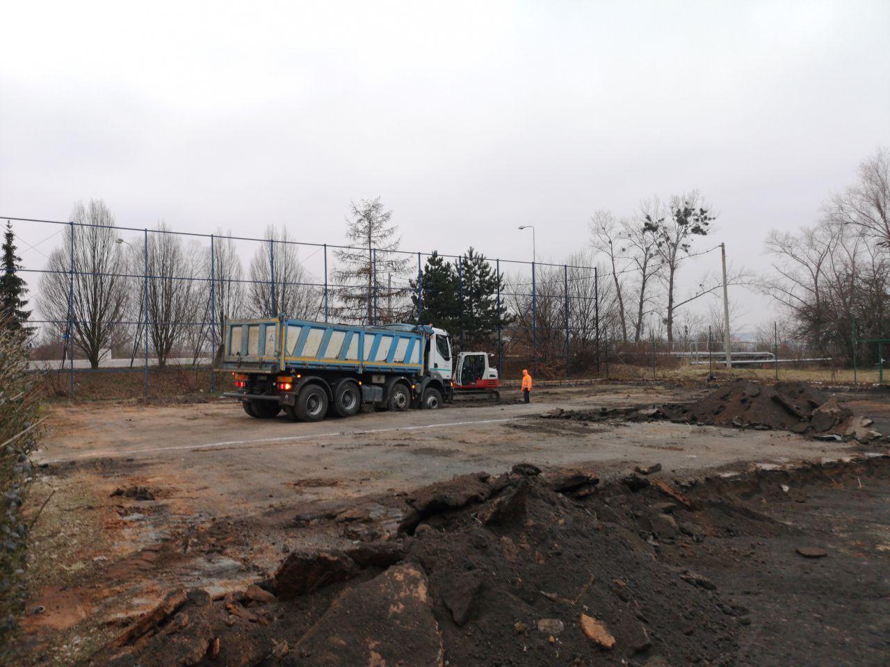 Výstavba sportovního hřiště v Kotojedech začala